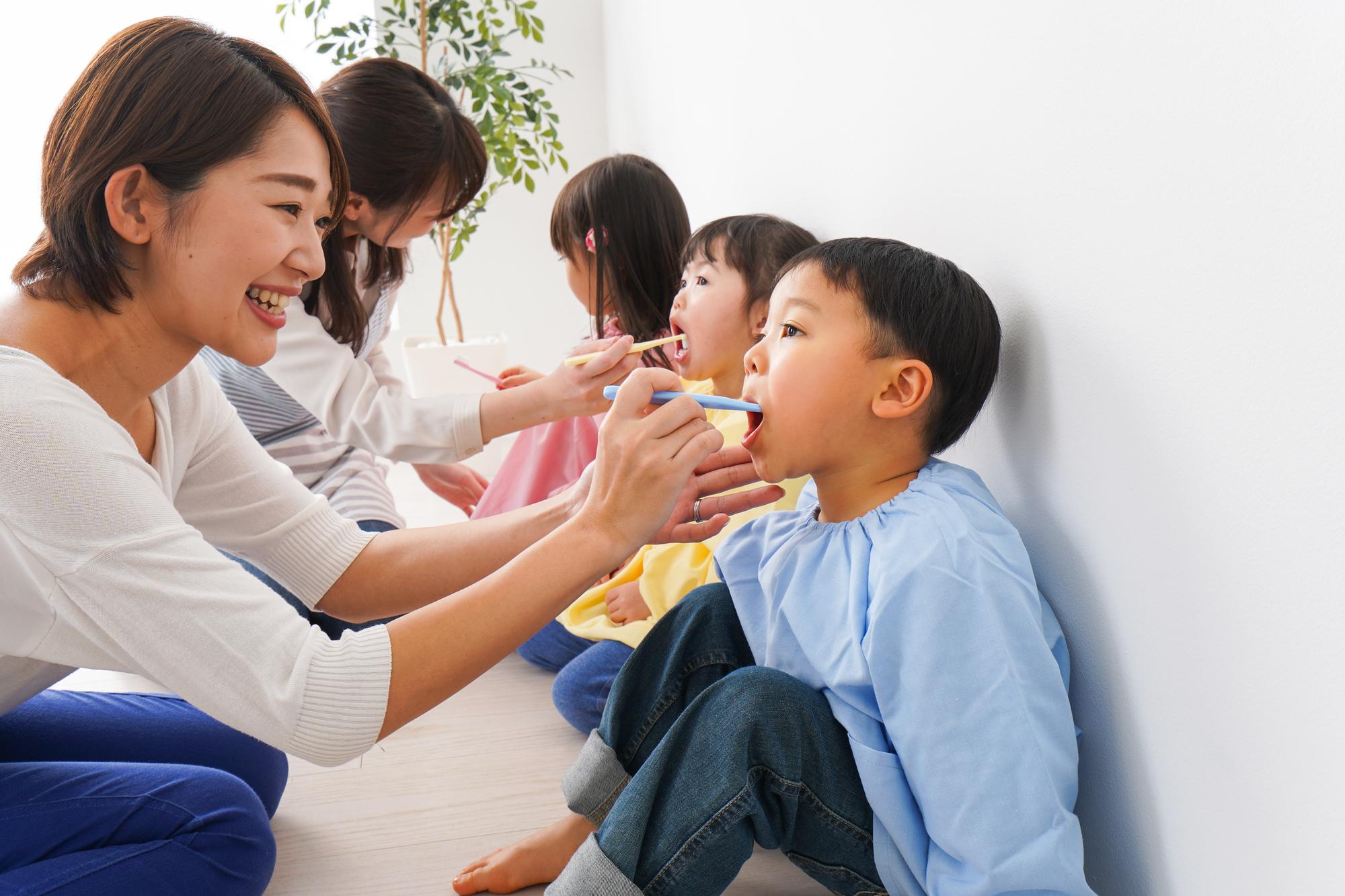 保育園の歯磨き指導のすすめ方|ねらいと新しい生活様式での注意点